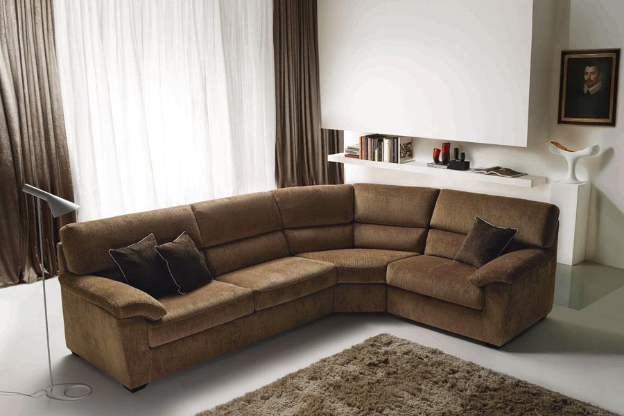 Produzione e vendita di salotti divani poltrone brescia for Made divani